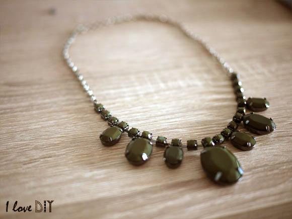 on transforme un bracelet en collier