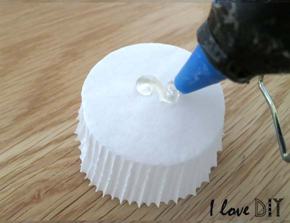 Diy on customise une boule japonaise 2 me round let s customize a japanese lamp round 2 - Diy pistolet a colle ...