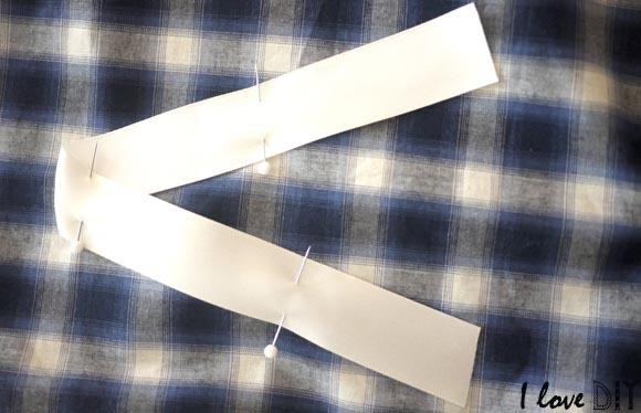 personnalisez le coussin avec un ruban