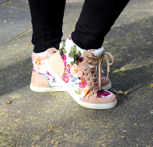 SNEAKERS FOREVER 21