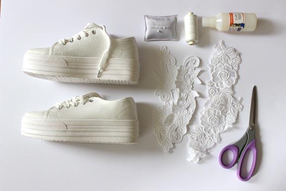 customisez des baskets en toile avec de la dentelle ilovediy