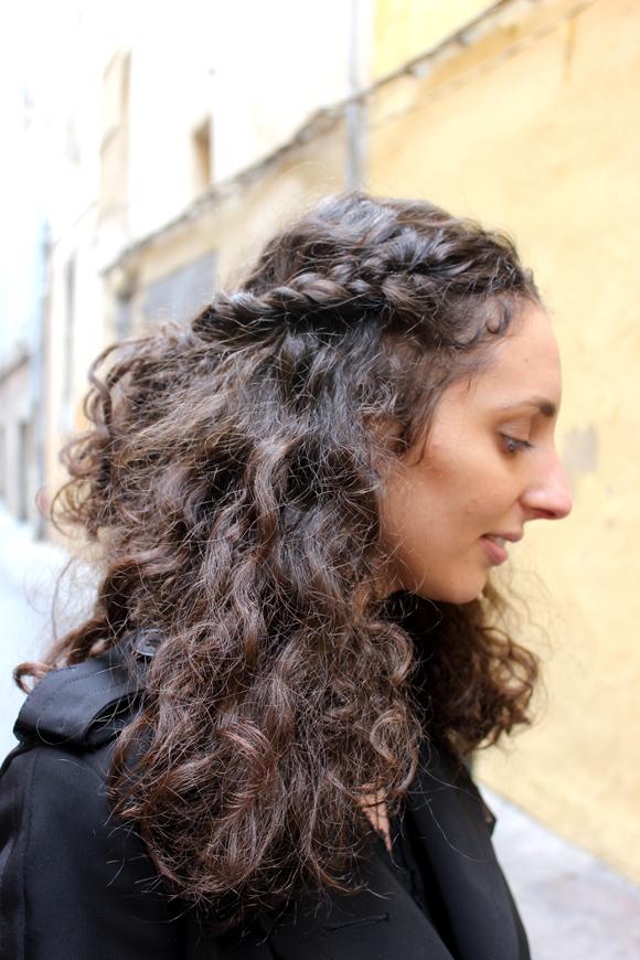 tresse couronne cheveux bouclés