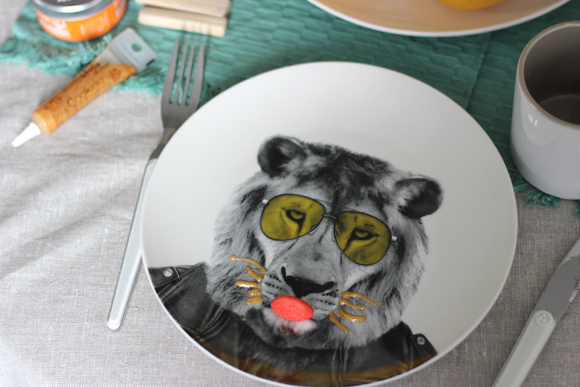 ASSIETTE WILD LION
