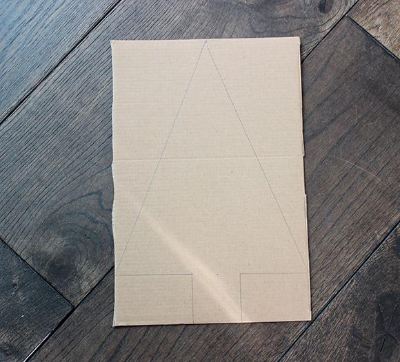 sapin de noel pinata dessinez sur du carton