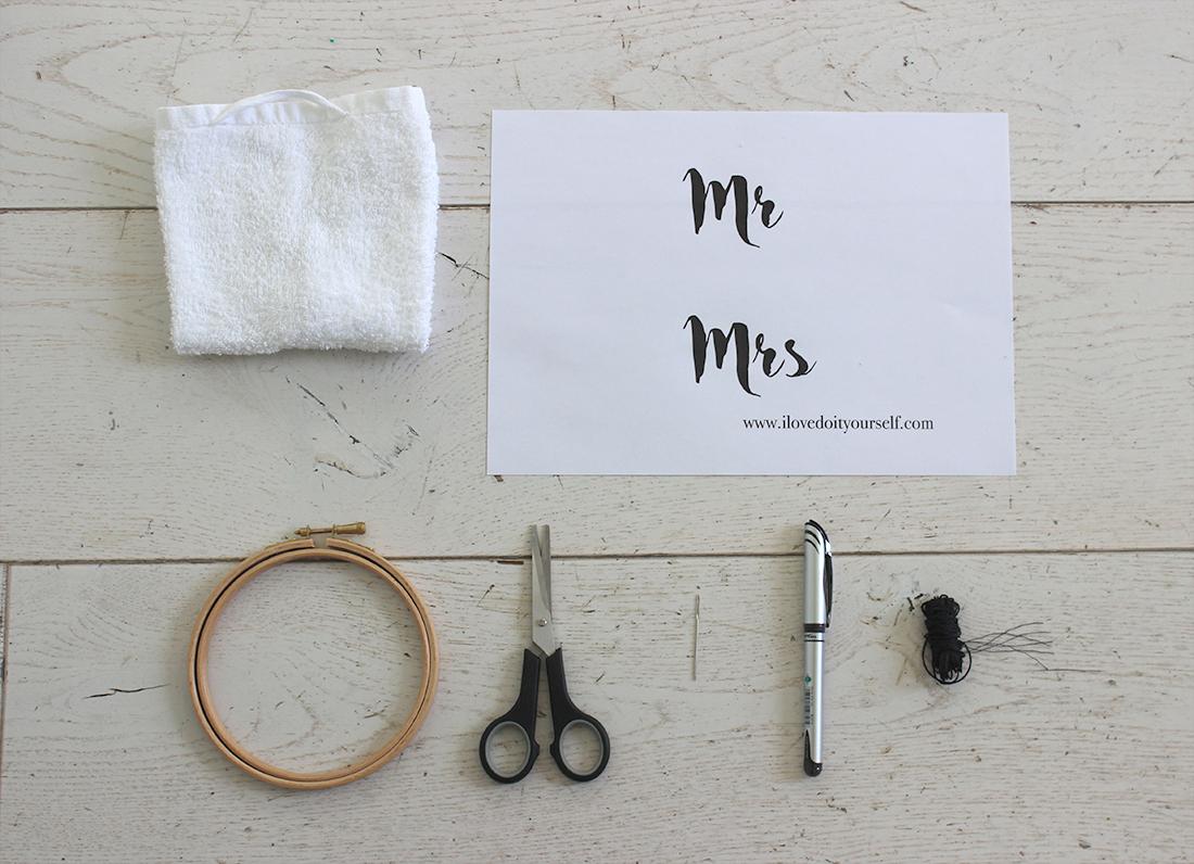 materiel pour broder des serviettes Mr mrs diy