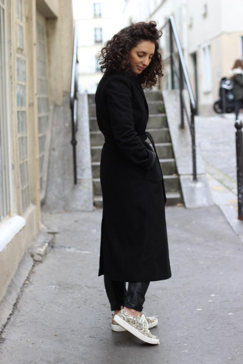 le manteau long noir quand on est petite