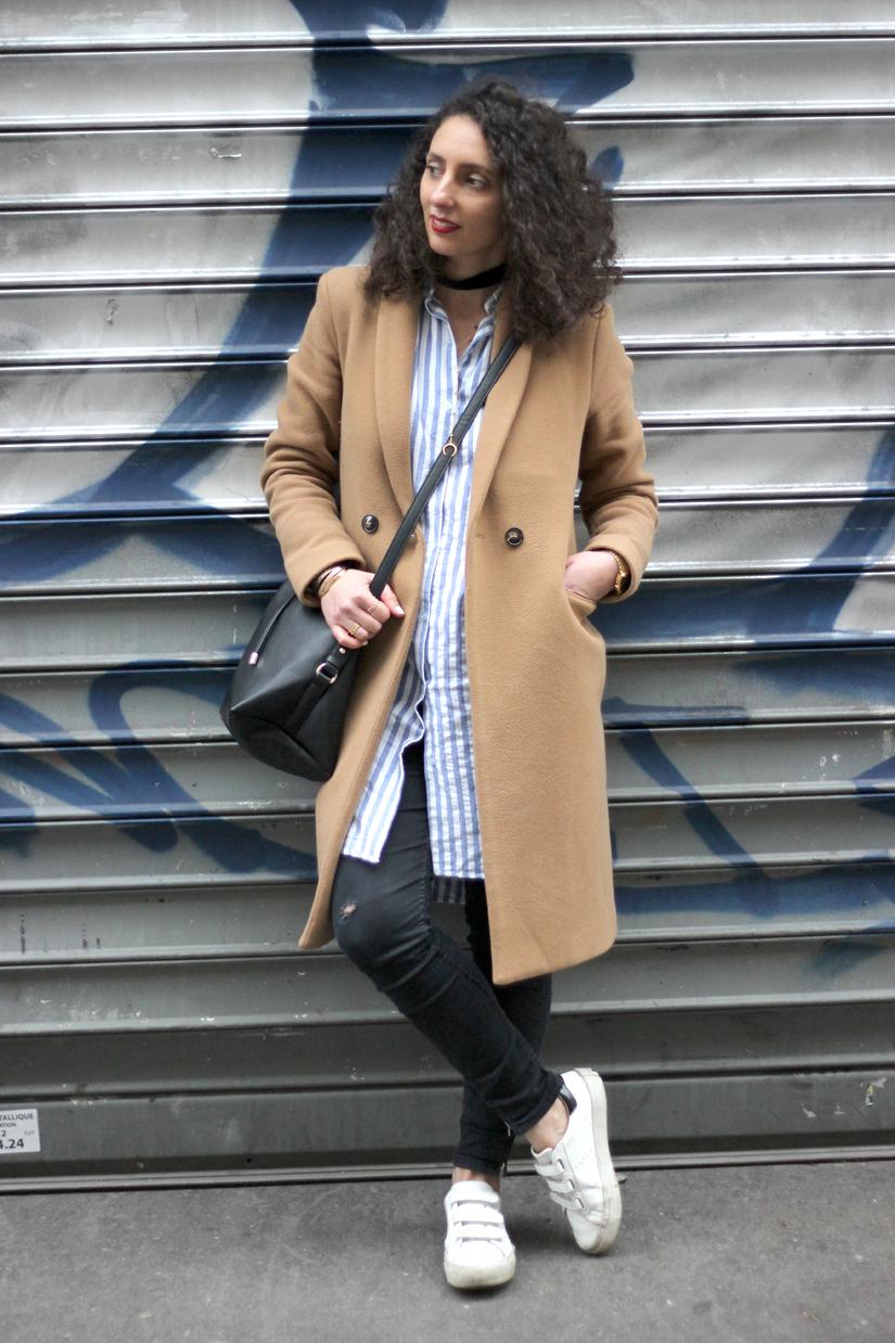 streetsyle paris manteau beige chemise rayee
