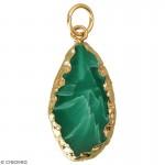pendentif-en-pierre-verte-dore-4-x-18-cm-l