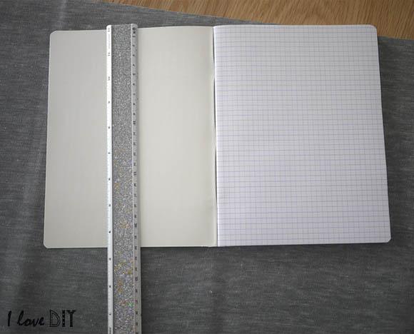 mesurer la hauteur du cahier