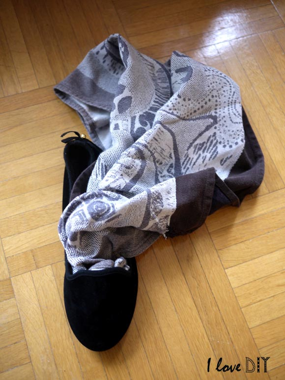 5 remplir la chaussure avec du tissu pour tendre le tissu