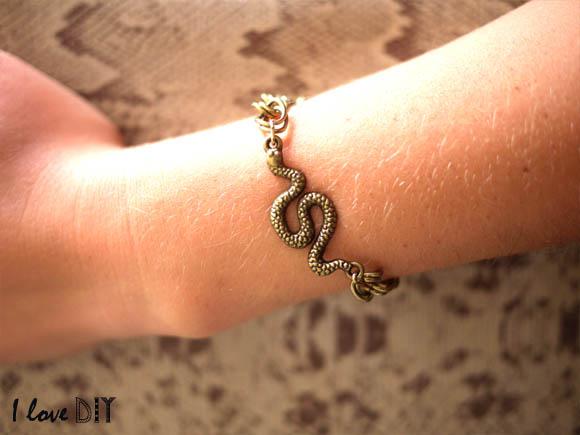 un bracelet serpent DIY