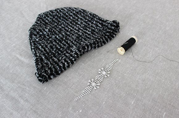 Customisez un bonnet avec un bracelet ilovedoityourself