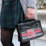 DIY : Customiser un sac avec un motif tartan au feutre  | Customise a purse with a felt pen tartan print