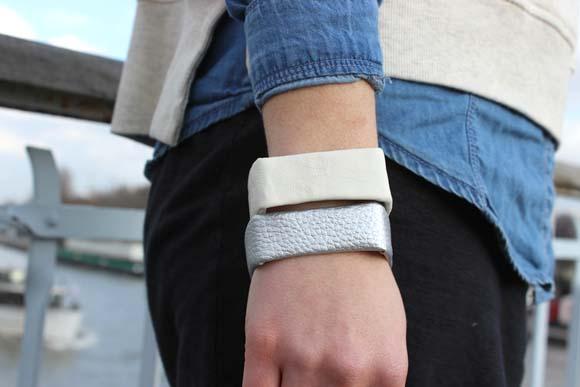 des bracelets cubes en plastique recyclé5