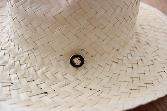 customiser un chapeau en paille façon the kooples4