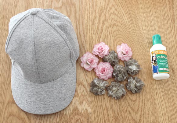 customiser une casquette avec des fleurs