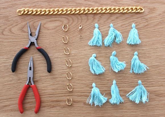 materiel pour creer un bracelet pompom