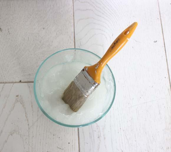 preparez la colle à papier peint