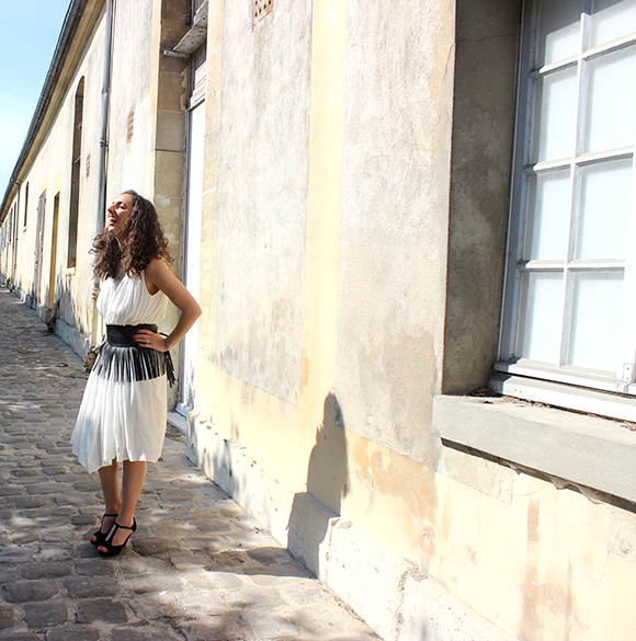 look robe blanche ceinture à franges