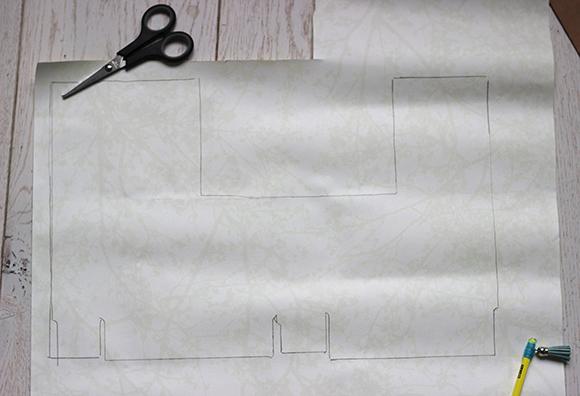 declaquer la forme de la boite sur le papier peint
