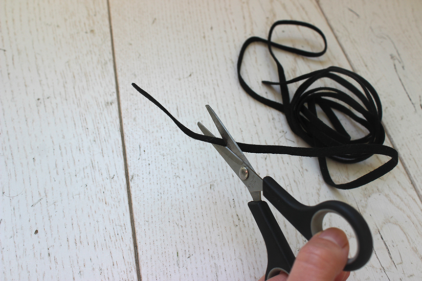 lien en nubuck pour fabriquer un soutif croisé