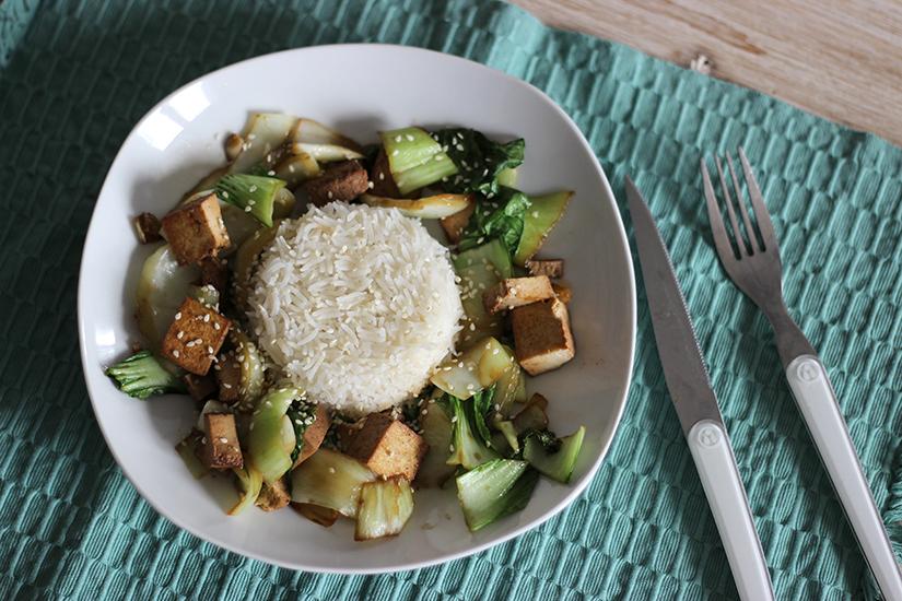 tofu fume pack choi riz