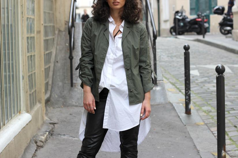 veste kaki chemise blanche look paris