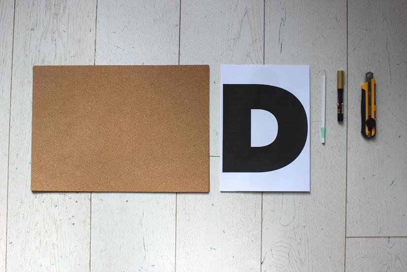 materiel pour fabriquer un tableau en liège diy personnalise