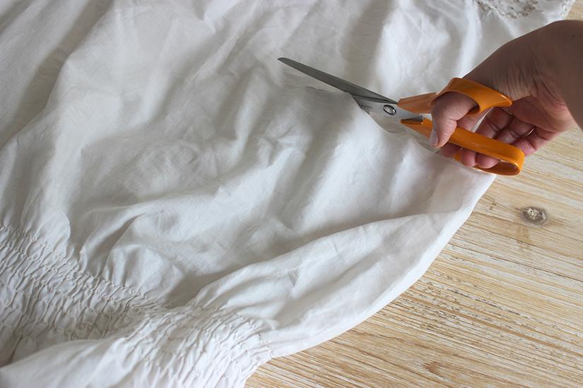 decouper le bas d une robe pour la transformer en top